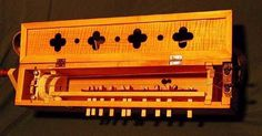 Box Symphonie (hurdy-gurdy) – Cigar Box Nation