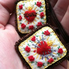 My first Marian Monday link up! I had to share my beautiful new scapular I got a few weeks ago.  This beautiful custom scapular was designed and embroidered by StellaMarigoldArt on Etsy. I co...