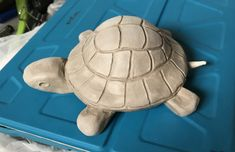 Best 12 Bronafbeelding weergeven – Page 313422455312701011 – SkillOfKing. Clay Turtle, Ceramic Turtle, Ceramic Elephant, Ceramics Projects, Clay Projects, Clay Crafts, Pottery Animals, Ceramic Animals, Pottery Sculpture
