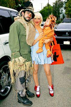 Christina Aguilera and Jordan Bratman with their son on Halloween