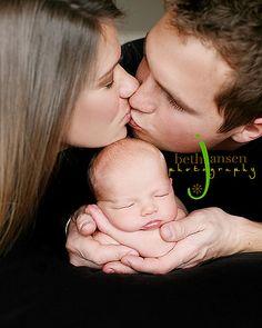 Grandma would love this photo! Newborn Baby Photos, Newborn Poses, Newborn Shoot, Newborn Baby Photography, Newborn Pictures, Pregnancy Photos, Baby Pictures, Family Photo Sessions, Family Photos