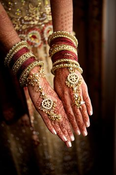 Today I am bringing before you an exceptional and really nice post of Bridal Mehndi designs. Mehndi is an essential feature for a Bride who looks imperfect and incomplete without applyi…