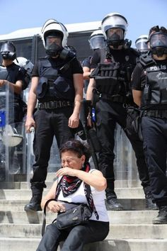 """For whose security do the police exist? Turkish Fashion, Turkish Style, Middle Aged Women, Green Beret, Men In Uniform, Dear Friend, Istanbul, Revolution, Police"
