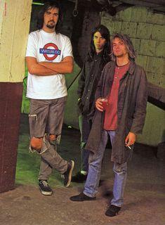 Everything Kurt Cobain and NIRVANA (FORMERLY no, I don't think courtney killed kurt. Kurt And Courtney, Kurt Cobian, Tim Burton, Grunge, Donald Cobain, Nirvana Kurt Cobain, Smells Like Teen Spirit, Dave Grohl, Foo Fighters