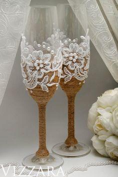 Rustic Wedding Glasses, Wedding Toasting Glasses, Wedding Champagne Flutes, Chic Wedding, Toasting Flutes, Wedding Ideas, Trendy Wedding, Wedding Ceremony, Wedding Decorations