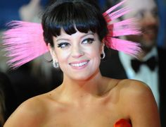 Lilly Allen at this years 2014 BAFTA Awards in London. Loving her strong cat eyeliner look.