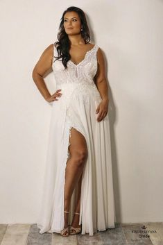 Plus size feminine wedding gown with slit. Plus Size Wedding Gowns, Plus Size Gowns, Country Wedding Dresses, Boho Wedding Dress, Boho Dress, Modest Wedding, Wedding Shoes, Lace Wedding, Wedding Flowers