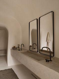 Beautiful interior design, the minimalist bathroom with a touch of wabi sabi sty. Bad Inspiration, Bathroom Inspiration, Interior Inspiration, Minimalist Bathroom, Modern Bathroom, Contemporary Bathrooms, Colorful Bathroom, Modern Bathtub, Modern Sink