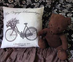 vYQt / Vankúšik…cesta do Marseille Textiles, Throw Pillows, Handmade, Hampers, Marseille, Toss Pillows, Hand Made, Cushions, Decorative Pillows