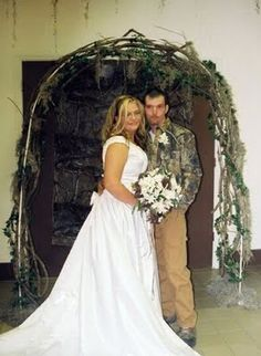 Weirdest Wedding Ceremonies The wedding day should be all about the groom and bride feeling good on their special day. These couples surely had fun at their weddings, cause they had the weirdest weddings. Wedding Fail, Crazy Wedding, Next Wedding, Sister Wedding, Wedding Humor, Wedding Pics, Wedding Trends, Wedding Ceremony, Wedding Dresses