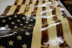 Waving American Flag Picture of Enjoy Your Awesome Waving American Flag! Waving American Flag Picture of Enjoy Your Awesome Waving American Flag! Wooden American Flag, American Flag Wood, Pallet Flag, Wood Flag, Patriotic Crafts, July Crafts, Patriotic Party, Hot Dog Bar, Bird House Feeder