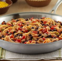 Fiesta Spaghetti: Hot spaghetti tossed with spicy tomatoes, onion and black beans for an easy meatless entrée with a Tex-Mex twist Easy Vegetarian Dinner, Vegetarian Recipes Easy, Veggie Recipes, Mexican Food Recipes, New Recipes, Dinner Recipes, Cooking Recipes, Favorite Recipes, Healthy Recipes