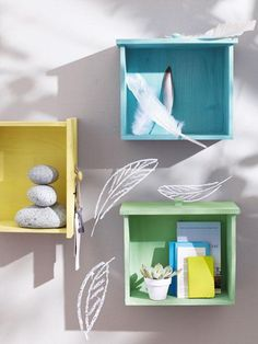 Use your old and vintage drawers to make something interesting for your home. We can help you with these creative and cute diy ideas. Vintage Drawers, Old Drawers, Dresser Drawers, Diy Wall Decor, Diy Home Decor, Furniture Makeover, Diy Furniture, Design Creation, Diy Casa