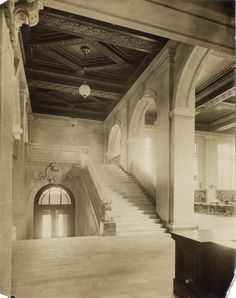 Toronto Public Library; Central Library, College St., n.w. corner St. George St.; Interior, entrance (main), looking up stairs to mezzanine, e. end Reference reading room. circa 1909.