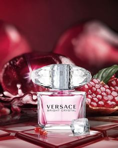 Versace Bright Crystal For Women Edt Rp. Only Selling 💯% Original Branded Perfume. Perfume Versace Mujer, Perfumes Versace, Chanel Perfume, Perfume Sale, Best Perfume, Perfume Bottles, Versace Bright Crystal, Pink Bottle, Perfume Collection