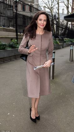 'Coping': Angelina confirmed last month that her family were recovering well from her acrimonious divorce from Hollywood moviestar Brad Pitt Angelina Jolie Makeup, Angelina Jolie Photos, All Fashion, Fashion Prints, Fashion Beauty, Fashion Tips, Celebrity Fashion Looks, Celebrity Style, Angelina Jolie Children
