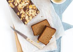 Deze glutenvrije speculaascake is superlekker en gezoet met dadels.