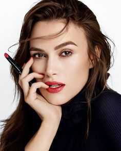 Discover the latest makeup collection by Chanel- Rouge Coco Stylo and Le Duo Vernis Longue Tenue - from lips to nails with classic reds and Keira Knightley. Chanel Rouge, Chanel Make-up, Chanel Lipstick, Makeup Lipstick, Chanel Beauty, Chanel Paris, Keira Knightley Chanel, Keira Christina Knightley, Keira Knightley Makeup