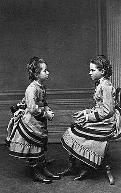 Tatiana and Zenaida Youssoupoff