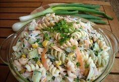 Megfelelő tészta + sok zöldség + teljes értékű fehérje + zsírszegény öntet = tuti egészséges tésztasaláta!