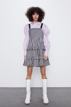 Short dress with straight neckline and straps. Zara Outfit, Zara Home Stores, Zara New, Check Dress, Gingham Check, Zara Dresses, Zara Women, Mannequin, Ruffle Dress