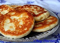 crepes galettes et cie - Chez Darna Crepes, Beignets, Moroccan Breakfast, Easy Cooking, Cooking Recipes, Morrocan Food, Moroccan Bread, Ramadan Recipes, Bread And Pastries