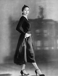 Betty Threatt, photo by Louise Dahl-Wolfe, Harper's Bazaar, September 1949 | flickr skorver1
