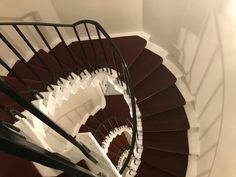 Old carpet beautiful spiral stairs Spiral Staircase, How To Clean Carpet, Carpet Runner, Living Spaces, Stairs, Home Appliances, Runners, Beautiful, Design