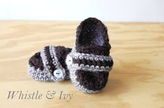 "babyboyloaferbootiesWM  - free pattern. I made these along with the ""chappy newsboy hat"" pattern. Made them in a steel blue with dark blue accent."
