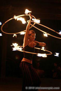 multi hoop Fire hooping Hula Hoop Workout, Spin City, Fire Dancer, Flow Arts, Fire Art, Hippie Life, Light My Fire, Belly Dancers, Dark Beauty