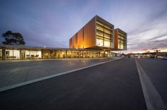Gallery of Frank Bartlett Memorial Library and Moe Service Centre / fjmt - 4