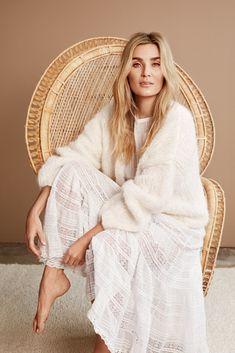 Side 7 – Camilla Pihl Strikk Knit Fashion, Womens Fashion, Hand Knitted Sweaters, White Outfits, Camilla, Pulls, Hand Knitting, Knitwear, Dandelion
