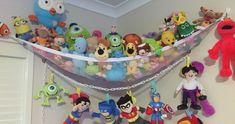 Unique Toy Storage Ideas for Kid's Playroom (DIY Box Inspirations) Diy Clothes Organiser, Kids Clothes Storage, Kids Storage, Storage Ideas, Storage Design, Soft Toy Storage, Baby Storage, Bedroom Storage, Stuffed Animal Storage
