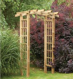 The Ryeford Arch is ideal for creating an entrance in your garden. Featuring a curved and notched rafter top section and trellis sides, perfect for climbing plants.