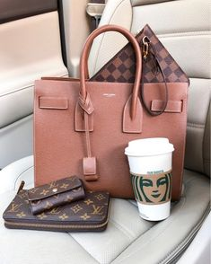 Its 63 and Im loving every second of it. About to head to lunch Im thinking sushi. Who else is obsessed? I cant seem to get enough of it lately. Any who yall have a great day! Luxury Bags, Luxury Handbags, My Bags, Purses And Bags, Bag Closet, What In My Bag, Flat Lay Photography, Beautiful Handbags, Purse Wallet