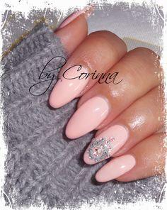 #light #pink #nude #hamsa #hand #swarovski #strass #almond #nailshape #acrylic