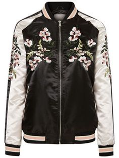 Cool black and white floral printed bomber jacket from VERO MODA. Wear it with jeans and a single colour blouse.