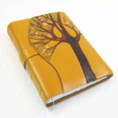Beautiful notebook! This would inspire me to write