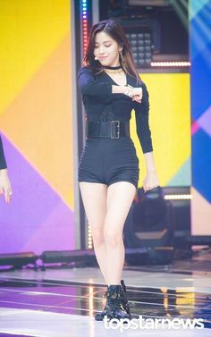 Womens Style Discover 190220 ITZY Ryujin at Show Champion. this looks like a drat and dab namn it gesture. Stage Outfits, Kpop Outfits, Cute Outfits, Fashion Outfits, Womens Fashion, Girl Photo Poses, Girl Photos, Korean Girl, Asian Girl