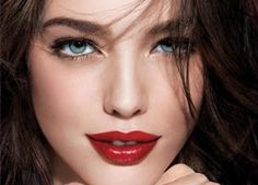 Beauty Bargain: Maybelline New York Color Sensational Lipcolor in Red Revival own this and love it