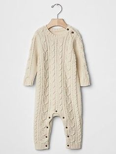 GAP Baby Boys Size 0-3 Months NWT Ivory Cable Knit Long-Sleeved Cotton Sweater