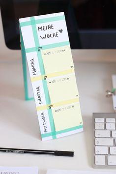 Aus diesen Pappstreifen kann man doch wunderbar und ganz einfach Memoboards und Tischkalender mit Post its machen! Ich zeig euch wie es geht.