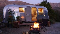 http://www.boutique-homes.com/wp-content/uploads/1modern-vacation-rentals-big-sur-8.jpg