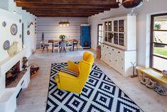 In vizita la Alina, Marius si Micha Country Interior, Interior Modern, Decor Interior Design, Interior Decorating, Traditional Interior, Traditional House, Traditional Design, Wood House Design, Rural House