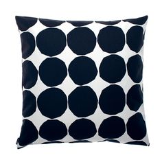 Give your living room a quick make over with the Pienet Kivet cushion cover by Marimekko. The pattern is a classic Marimekko design by…