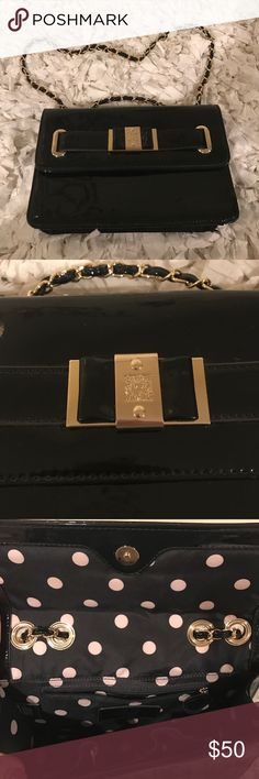 Anne Klein In love with this purse! Excellent conditions Anne Klein Bags Shoulder Bags