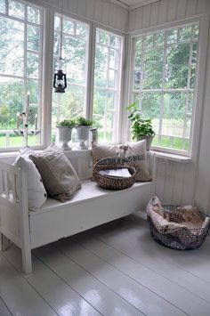 If you wish to find out what the sunroom looked like before, take a look here. The sunroom flows into the analysis on a single side and the living room on the opposite. Whether you are thinking abo… White Cottage, Cottage Style, Cottage Chic, Sunroom Decorating, Sunroom Ideas, Small Sunroom, Vibeke Design, Back Patio, Home And Deco