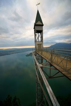 Hammetschwand Elevator Ennetbürgen, Switzerland (Photo: Gindegg /CC BY-SA 3.0) Take a Ride on 10 of the World's Most Mind-Blowing Elevators | Atlas Obscura