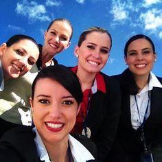 Azul Airlines Staff, E que vocês tenham uma tarde Azul! ☀️☁️ #azul #azulmagazine #plane #instaplane #avgeek #avporn #aviation #turma3