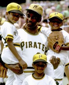 Roberto Clemente poses with his sons Luis Roberto, Roberto Jr., and Enrique Roberto before the Pirates game against the San Diego Padres at Three Rivers Stadium in Pittsburgh on June A. Pittsburgh Pirates Baseball, Baseball Park, Pittsburgh Sports, Baseball Photos, Roberto Clemente, Puerto Rico, Three Rivers Stadium, Mlb, Negro League Baseball